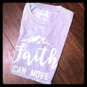 Tops - New T' FAITH CAN MOVE MOUNTAINS 🦋Sz M